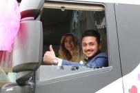 GELİN ARABASI - Tır Şoförünün Gelin Arabası Da Tır Oldu