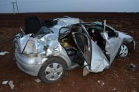 CEHENNEM DERESİ - Şanlıurfa'da Trafik Kazası Açıklaması 2'Si Ağır 5 Yaralı