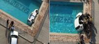 KADIN SÜRÜCÜ - Sitenin Havuzuna Otomobil Düştü