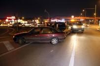 NUMUNE HASTANESİ - Sivas'ta Zincirleme Kaza 4 Yaralı