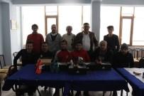 CENTİLMENLİK - Başkan Duymuş, Futbolcular Ve Takım Yöneticileriyle Bir Araya Geldi