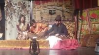 TİYATRO OYUNU - Bingöl'de Kurtuluş Savaşını Anlatan Tiyatro Sahnelendi