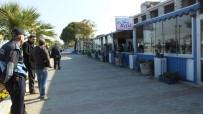 ZABITA MÜDÜRÜ - Burhaniye'de Belediye Ekipleri Makinesiz Yıkım Yaptı