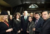 ORHAN GENCEBAY - Cumhurbaşkanı Erdoğan, Sanatçılarla Bir Araya Geldi