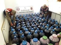 KAÇAK ŞARAP - Ev Ve Ahırı Kaçak İçki Fabrikasına Çevirdiler