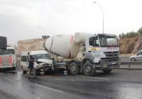 BALıKLıGÖL - Şanlıurfa'da Zincirleme Trafik Kazası Açıklaması1 Yaralı