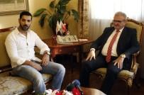KENAN SOFUOĞLU - Vali Karaloğlu, Bollywood Yıldızı Abraham'ı Makamında Kabul Etti