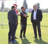 TEDAVİ SÜRECİ - Akhisarspor Yönetimi Teknik Heyetten Rapor Alacak