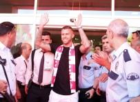 KASIK FITIĞI - Antalyaspor'da Menez Büyük Hayal Kırıklığı