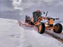 ARSLANKÖY - Büyükşehir Belediyesi'nin Kar Mesaisi Başladı