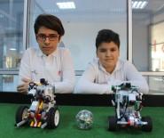 ROBOTLAR - Denizli'de 11 Yaşındaki Çocuklar Top Oynayan Robot Yaptı