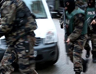 Aranan bin 51 zanlı kıskıvrak yakalandı