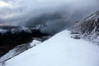SÜRGÜN - Erzurum'da Sıcaklık Eksi 10 Dereceye Düştü. Kar Ve Tipi Ulaşımı Etkiledi