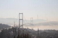 İSTANBUL BOĞAZI - İstanbul Boğazı'nda sis kartpostallık manzara oluşturdu