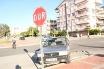 HÜSEYIN AVCı - Manavgat'ta Trafik Kazası Açıklaması 2 Yaralı