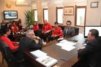 KADİR ÇELİK - Milli Eğitim Müdürü Yıldız, Engel Tanımayan Şampiyonları Kabul Etti