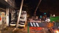 ELEKTRİK DİREĞİ - Direksiyon Başında Kalp Krizi Geçiren Otobüs Şoförü Dehşet Saçtı...O Anlar Kamerada