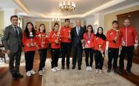 GÖRME ENGELLİLER - Şampiyonlardan Vali Azizoğlu'na Ziyaret