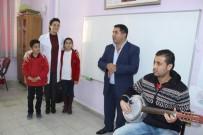 TRAFİK EĞİTİMİ - Sınıf Başkanlığını Kazanan Öğrenci Okula Sanatçı Getirdi