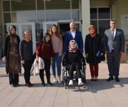 ÜNİVERSİTE ÖĞRENCİSİ - Tekerlekli Sandalyeye Yunusemre İle Kavuştu
