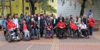 ENGELLİ ÖĞRENCİ - Üniversiteliler Engellilerle Buluştu