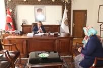 AYKUT PEKMEZ - Vali Pekmez Halk Günü Toplantısında Vatandaşların Sorunlarını Dinliyor