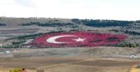 AY YıLDıZ - 20 Bin Ton Taşla Dev Türk Bayrağı