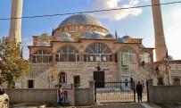 ENGELLİ ASANSÖRÜ - Edremit'te Asansörlü Cami