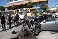 CIKCILLI - Otomobiller Çarpıştı Açıklaması 1 Yaralı