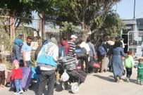 SINIR KAPISI - Suriyelilerden 11 bini Türkiye'ye dönmedi