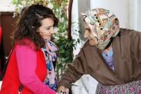GÖNÜL ELÇİLERİ - Yaşlı Çınarlara 'Tonca Mutluluk' Götürüyorlar