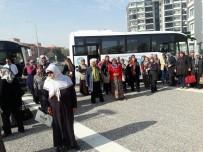 ÇANAKKALE ŞEHITLERI - Ahmetlili Kadınlar Manisa'yı Gezdi