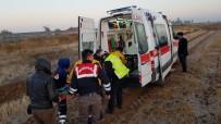 HAMBURG - Ankara-Aksaray Yolunda Otobüs Kazası;3 Yaralı