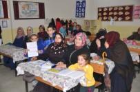 KEMAL YıLDıZ - Anne Ve Çocukları Aynı Sırada Eğitim Görüyor