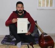 DAVUL ZURNA - İTÜ'de Konservatuvar Okudu, Düğünlerde Davul Çalıyor