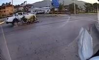 ÇAMKÖY - Kamyonet İle Motosiklet Çarpıştı Açıklaması 1'İ Ağır 2 Yaralı