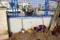 SU TESİSATI - Karesi'de Sorunlara Anında Çözüm