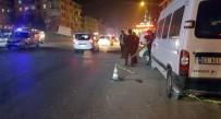 ERCIYES - Kavga Eden Grubu Ayırmak İsterken Bıçaklandı