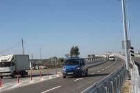 TRAFİK IŞIĞI - Manavgat'ın İlk Köprülü Kavşağı Araç Trafiğine Açıldı