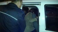 BOMBA İHBARI - Çocuğuna Ulaşamayan Kadın Kafeye Girerek, Üzerinde Bomba Olduğunu Söyledi