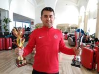 METIN ŞAHIN - Taekwondo Milli Takımı Ve Ayvalıklı Milli Antrenör Sersan Yurda Döndü