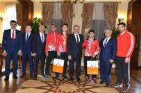 MUSTAFA YIĞIT - Vali Karaloğlu, Avrupa Ve Dünya Şampiyonu Sporcuları Kabul Etti