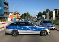 BOMBA İMHA UZMANLARI - Almanya'da Şüpheli Paket Paniği