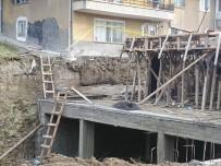 GÜN SAZAK - Ankara'da İnşaatın İstinat Duvarı Çöktü Açıklaması 1'İ Ağır 2 Yaralı