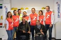 OMURİLİK FELÇLİLERİ - Gönüllü Koşuculardan Felçlilere Akülü Sandalye