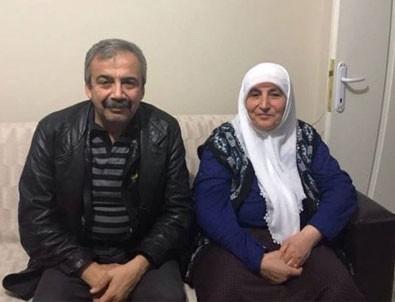 HDP'li Sırrı Süreyya Önder PKK'lı taziyesinde
