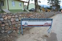 OKUL BİNASI - Kartepe Belediyesi'nden Ketenciler'de Taş Duvar Çalışması