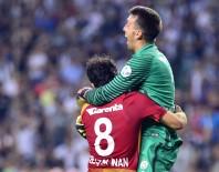 FERNANDO MUSLERA - Muslera İle Selçuk, Beşiktaş Maçı Kaçırmadı