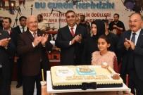 BURHANETTIN KOCAMAZ - Tarsus Belediyesi'nde Ödül Kutlaması