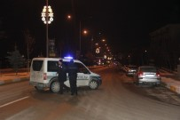 BOMBA DÜZENEĞİ - Üzerinde Bomba Düzeneği Bulunan Şahıs Etkisiz Hale Getirildi